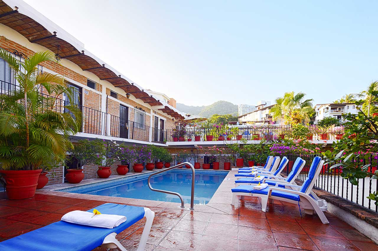 Terrace pool the best rates in puerto vallarta for Terrace hotel contact number